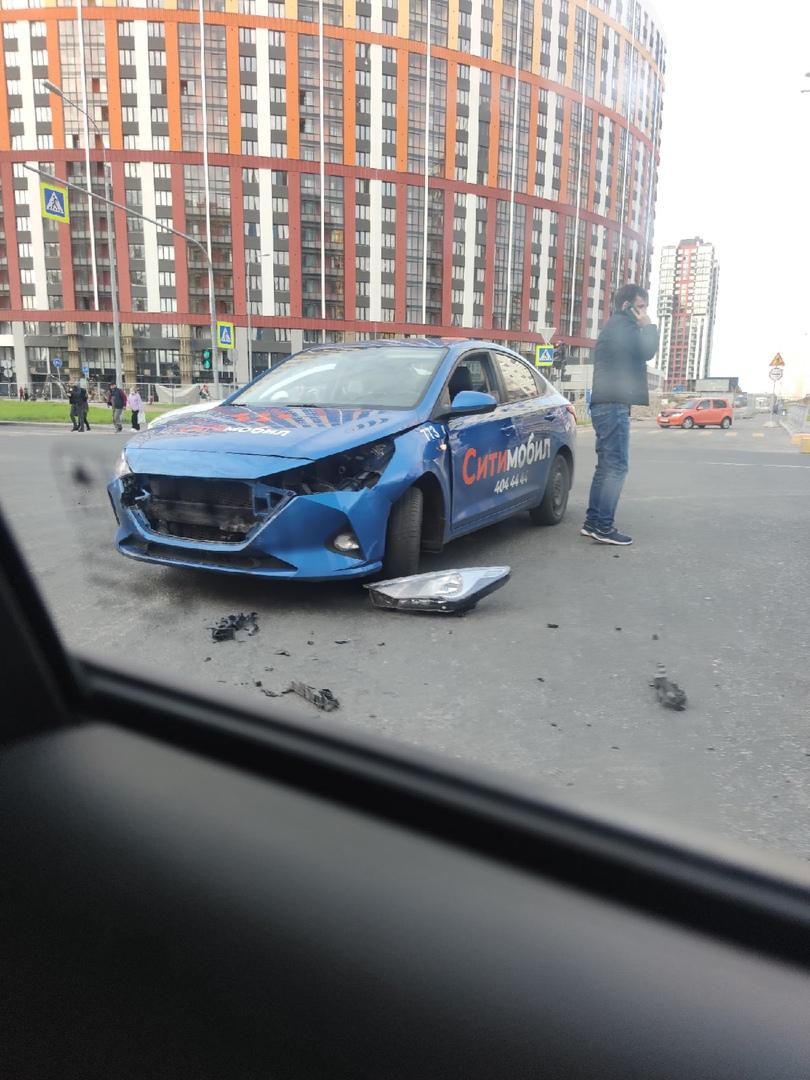 Таксист скинул лишнее при помощи сонаты на Комендантском проспекте