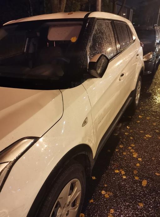 Вчера 9 октября был поцарапан припаркованный белый hyundai creta на Выборгском шоссе, 10, разбито и ...