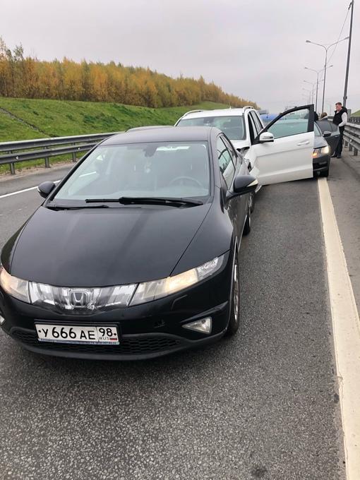 Вчера, 9 октября в промежутке времени 12:40-13:00 на Новоприозерском шоссе (трасса Сортавала) от СПб...