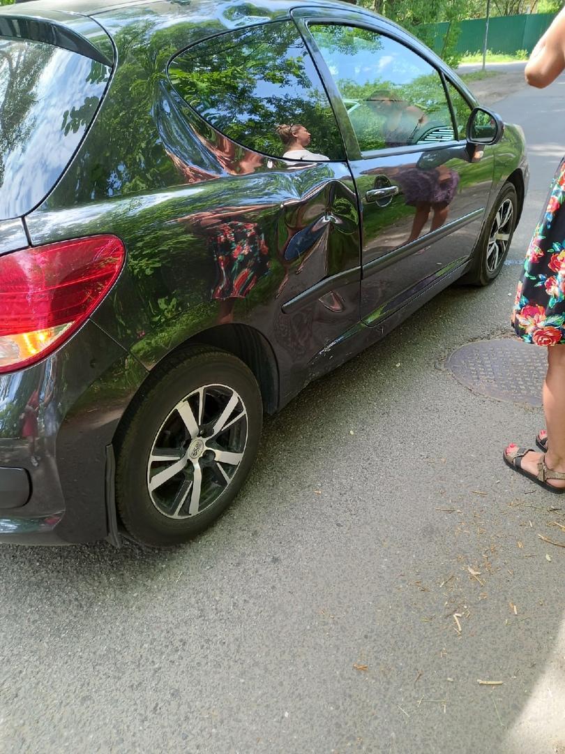 В пос. Александровская, Пушкинского р-на сегодня в 10:50 Peugeot сбила электросамокатчика.