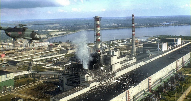Разрушенный 4-й энергоблок Чернобыльской АЭС