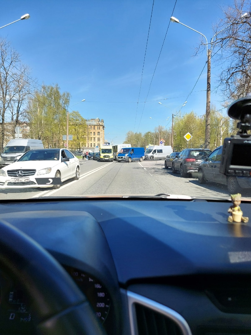 Авария на Металлистов у Партизанской улицы, минимум 4 автомобиля.