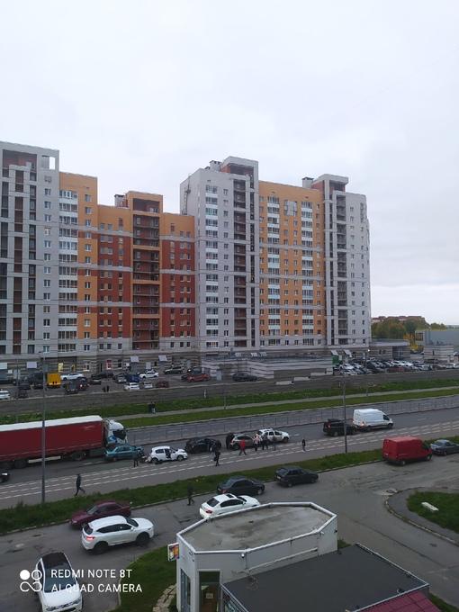 7 машин столкнулись на Онежской в Колпине