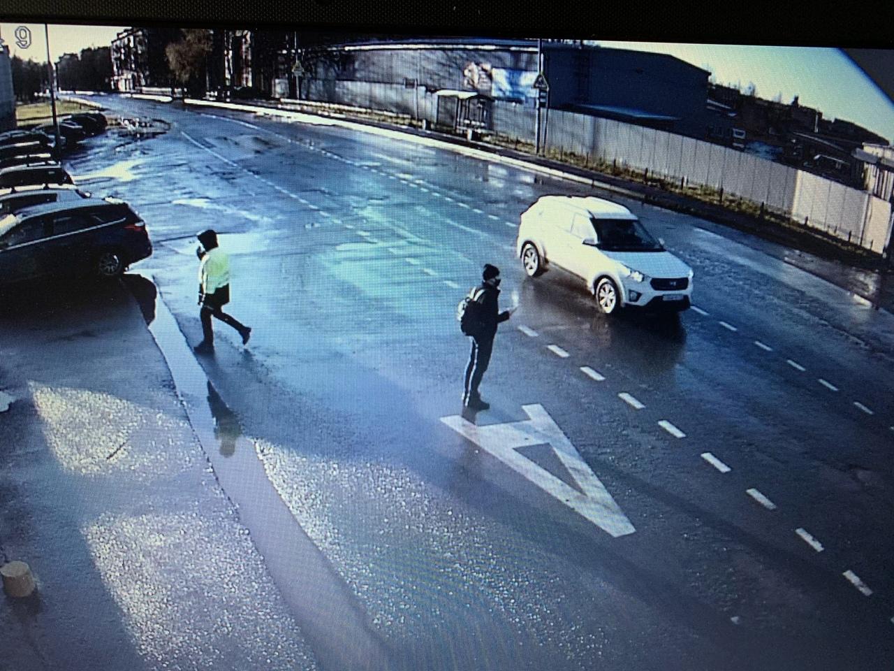 20 ноября в 11:36 с улицы Пилотов 18к4 в Авиагородке был угнан автомобиль Hyundai Creta белого цвета...