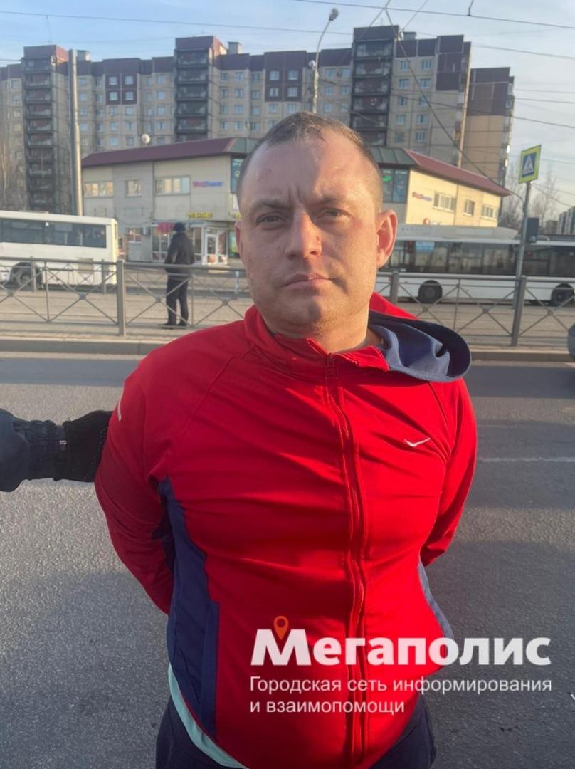 В Красносельском районе, попытка преступления была совершена на проспекте Ленина, возле перекрестка ...