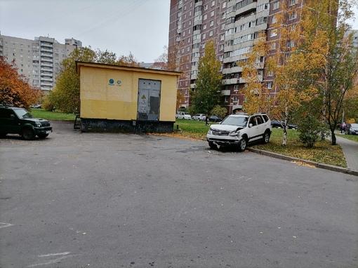 Во дворах на Афонской кто-то завершил аренду.
