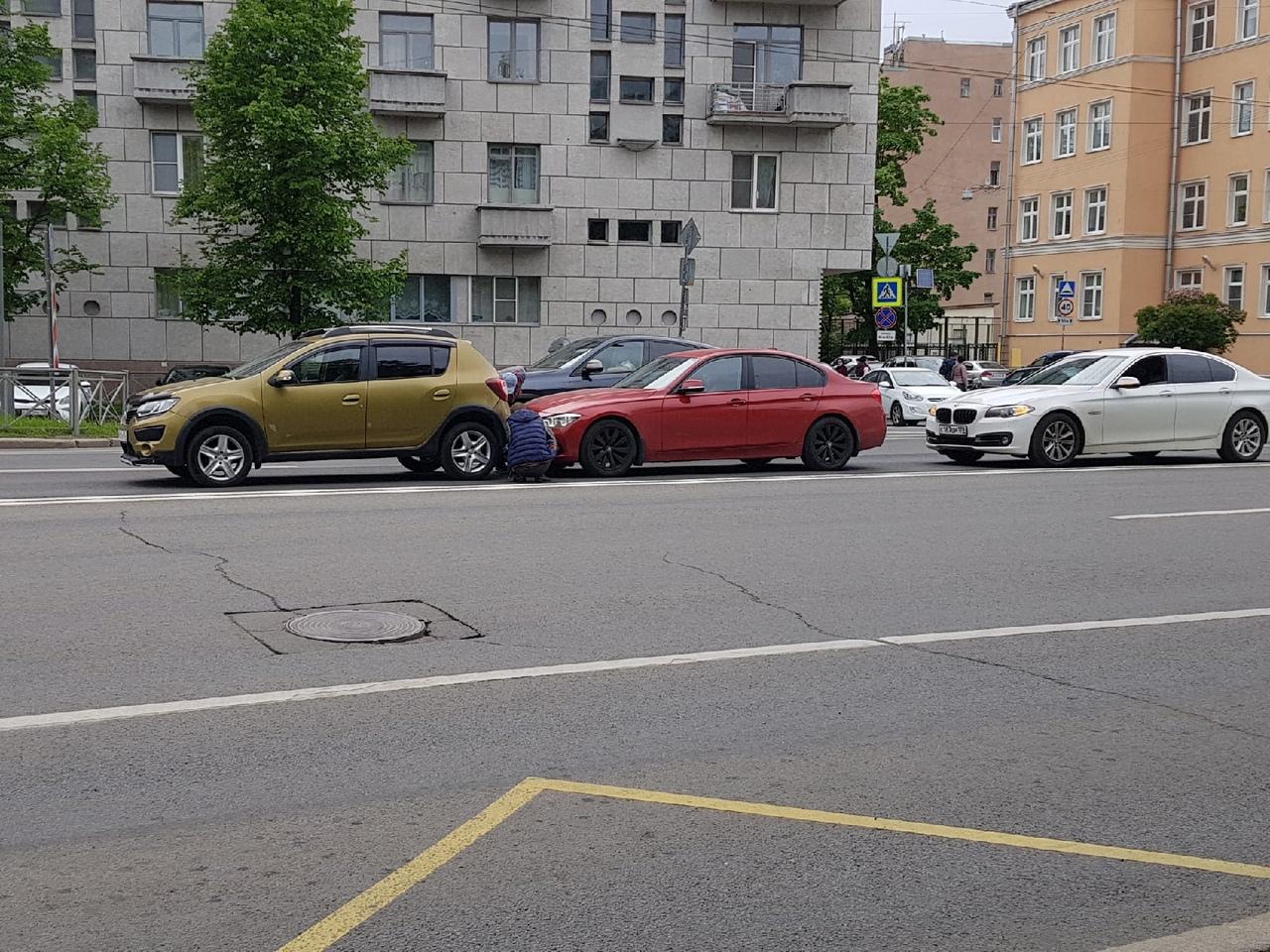 Тройничок на Медиков перед Карповкой, в сторону Петроградки. ДПС пока нет