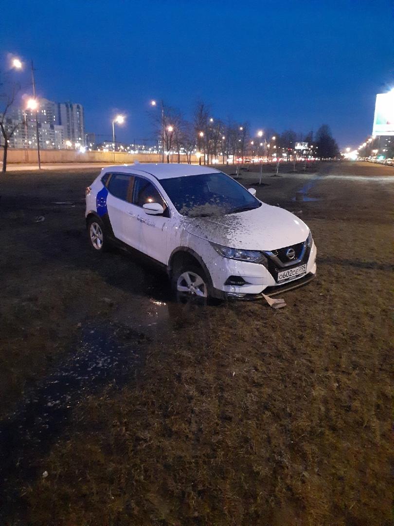 Последний водитель данного каршеринга, который бросил машину на Витебском 53к1, не садись больше за ...