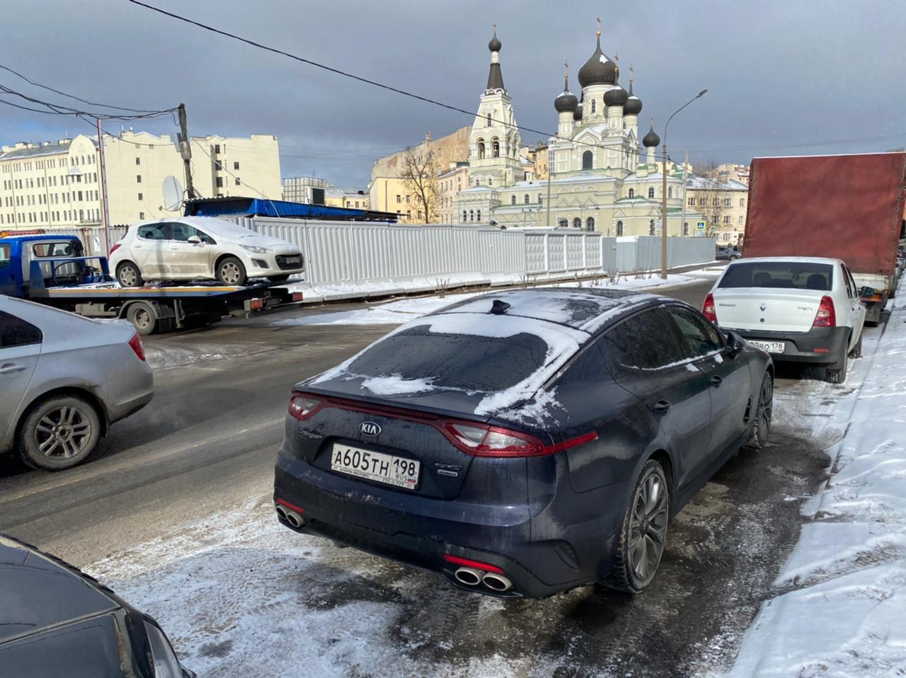 С 12-го до 23:55 19-го апреля в городе Кудрово от дома 5/2 по Столичной улице был угнан автомобиль K...