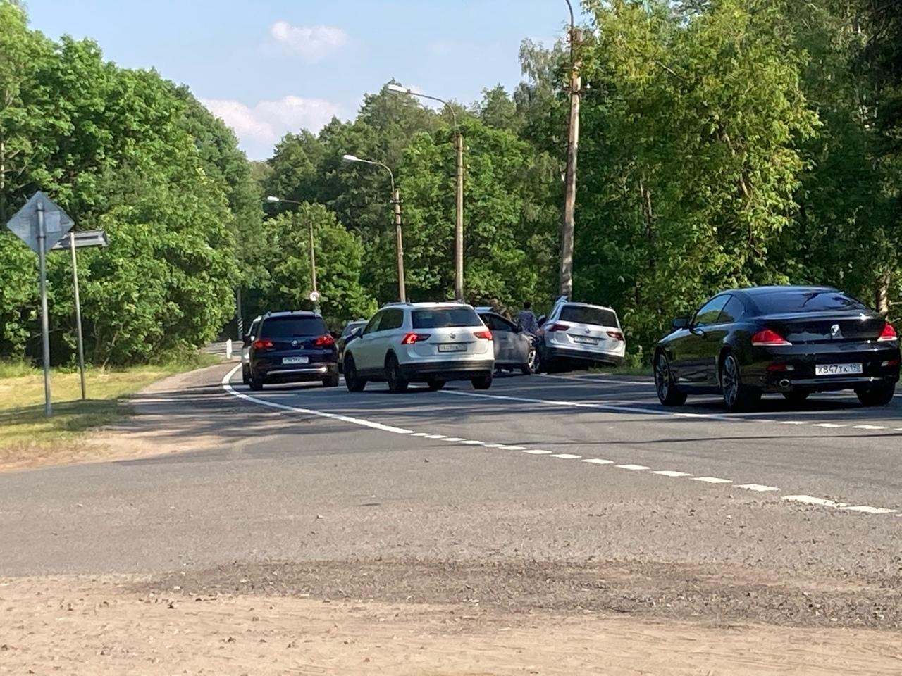 Авария при выезде из Солнечного в сторону Санкт-Петербурга на Примоском шоссе .
