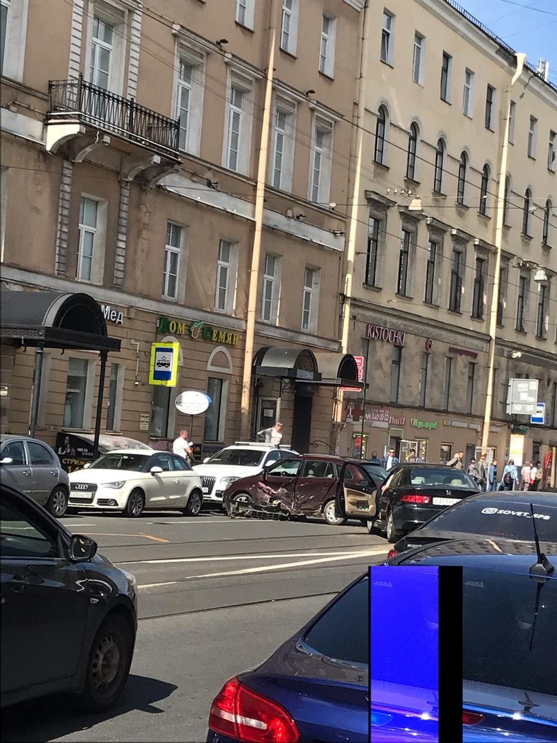 В 15:12 на Садовой у дома 40 выполнялся разворот.