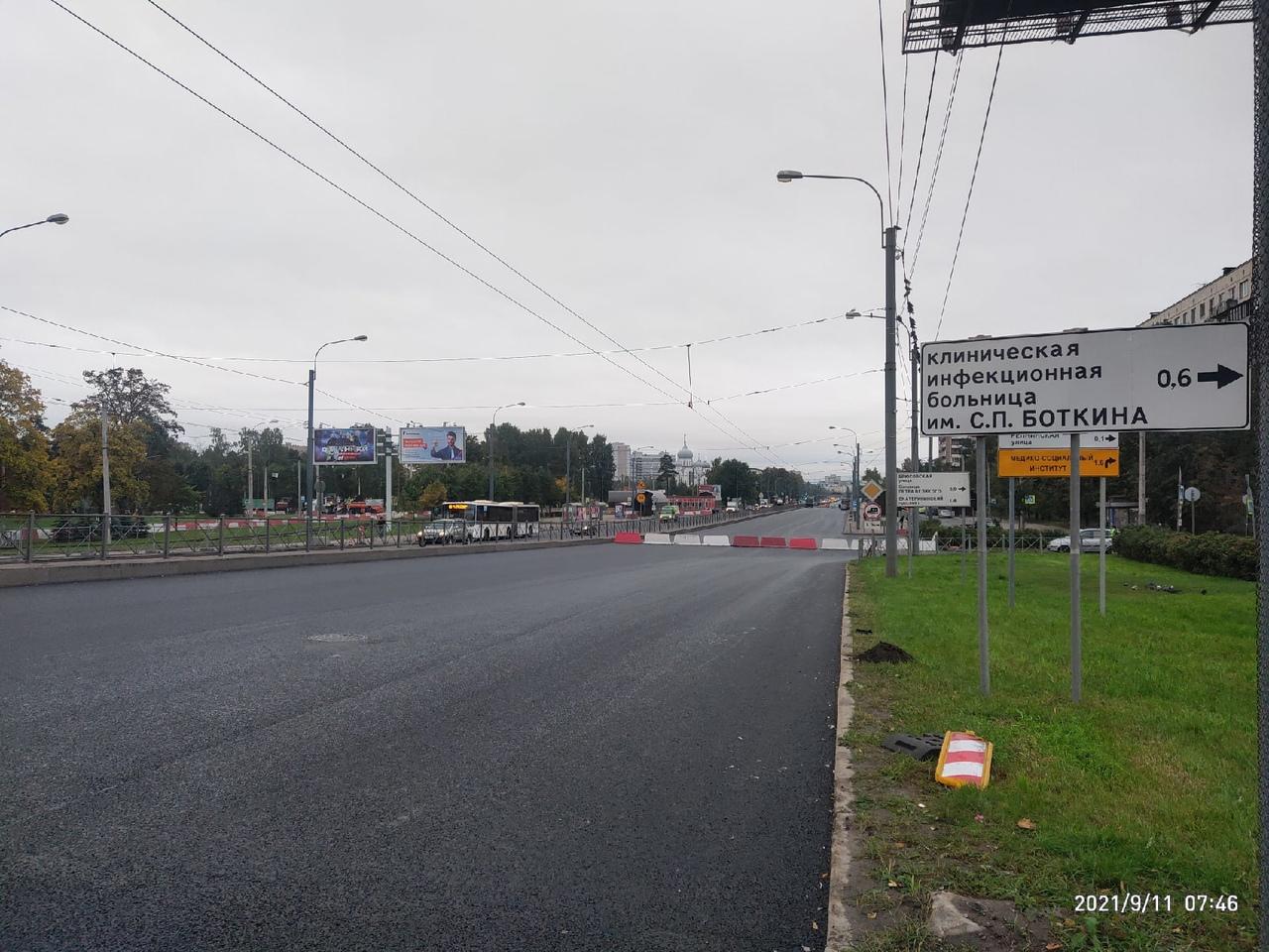 Виадук через Пискарёвский проспект сторону центра закрыт совсем разрешено движение только автобусом ...