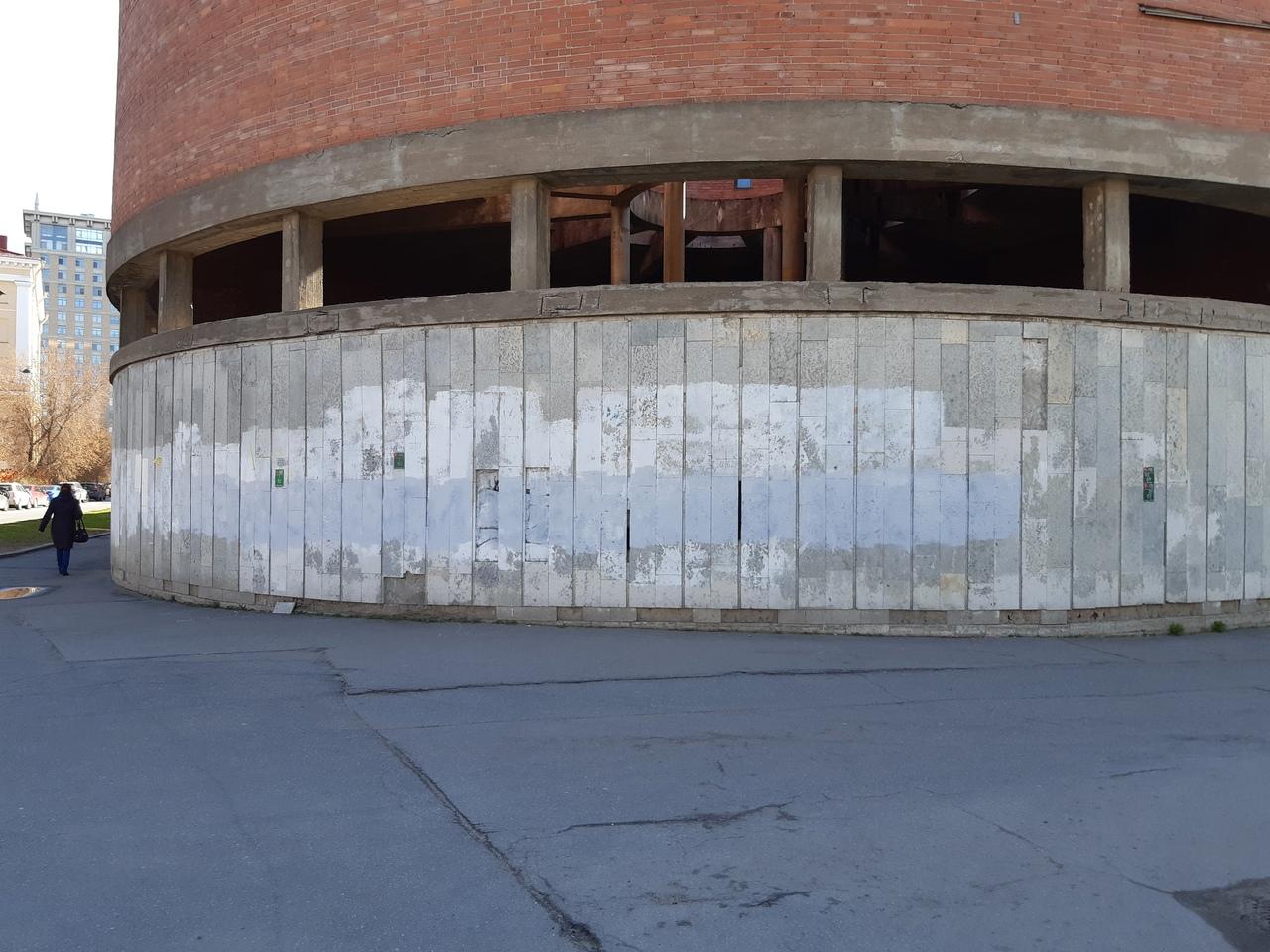 Уже закрасили надпись на пересечении Среднегаванского проспекта и Детской улицы. Новость ранее: ht...