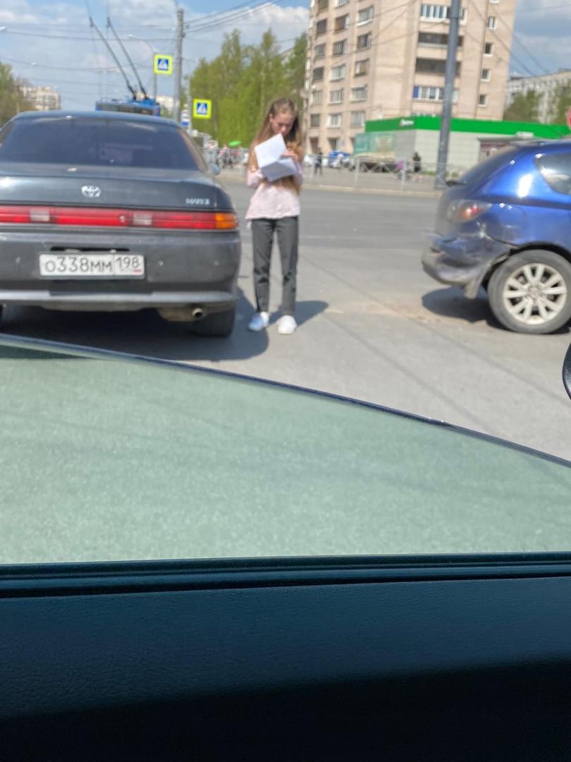 Toyota с Маздой не поделили дорогу на перекрестке Димитрова и Будапештской…
