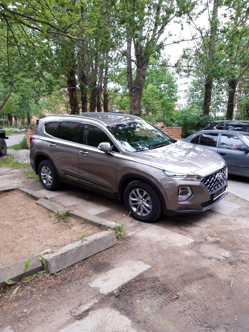 С 23 на 24 мая с 18.00 по 8.30 в городе Сосновый Бор, с улицы Красных Фортов был угнан автомобиль Hy...