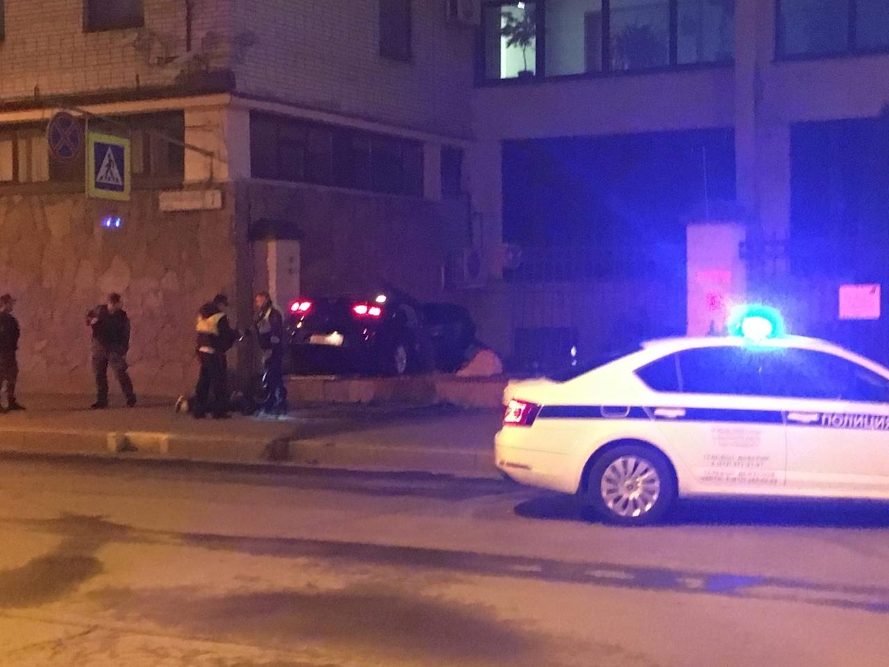 Короткая погоня со стрельбой по Турбинной улице быстро закончилась за забором дома 7 на Промышленной...