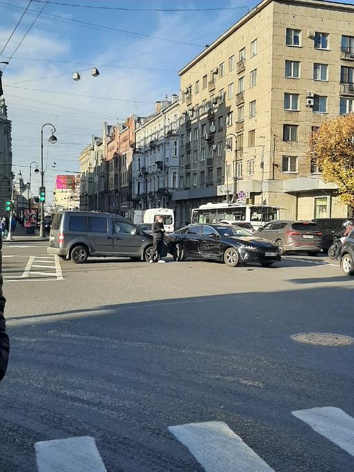 Авария на перекрёстке Каменоостровского и Малого проспекта,