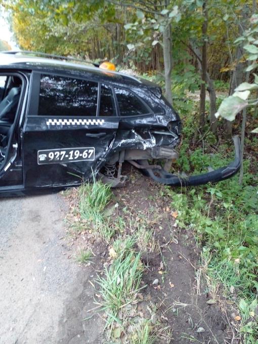 ДТП в поселке Верхние Осельки. Автомобиль Volvo xs 60 выехал на встречку через сплошную линию и удар...
