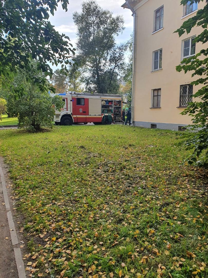 06 сентября в 17:14 поступило сообщение о пожаре по адресу: Гражданский проспект дом 80 к 2. В одно...