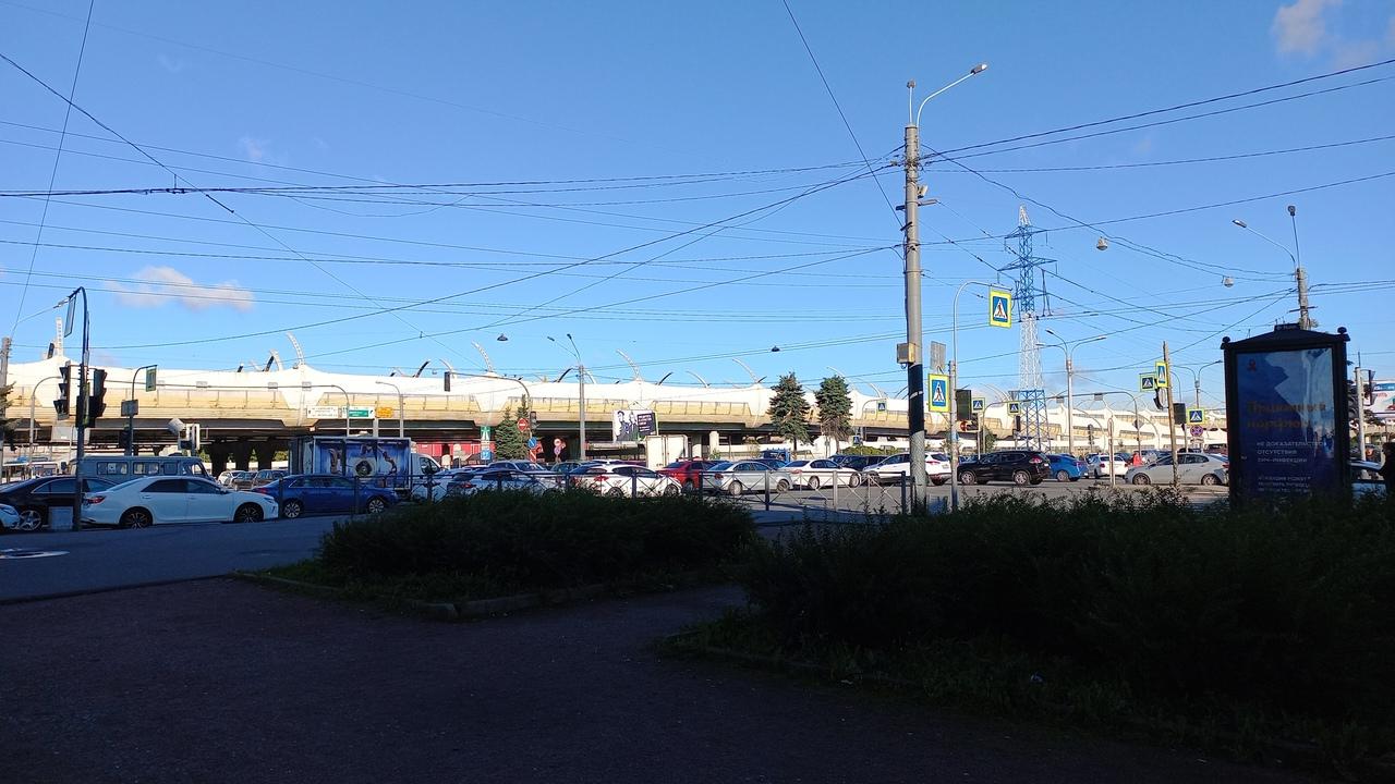 вырубились светофоры на перекрестке Ленинского и Кубинской.. будет весело