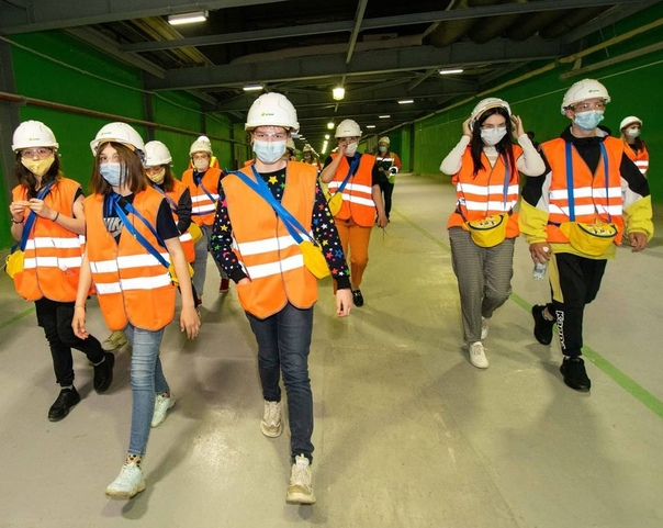 Подростки из Центра помощи семье и детям посетили большое производство