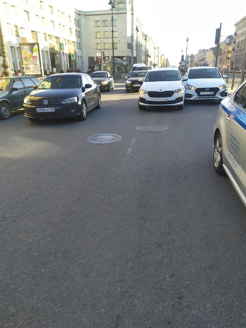 ДТП на пересечении Лиговского и Разъезжей около 17.00.