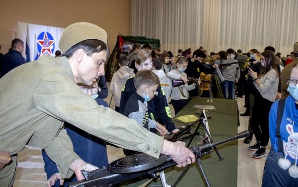 Выставка «Оружие Победы» в ДК «Дружба»