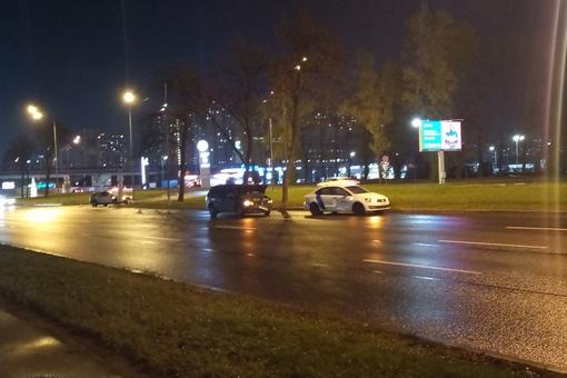 """Осторожно, на Пулковском в районе развязки с КАД к аэропорту """"каршеры"""" работают по двое, левый ряд"""