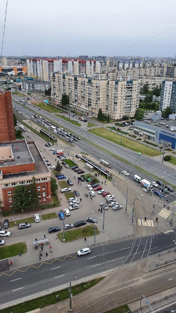 Парализовано движение Чижиков по проспекту Косыгина. Движение осуществляется только по проспекту Нас...