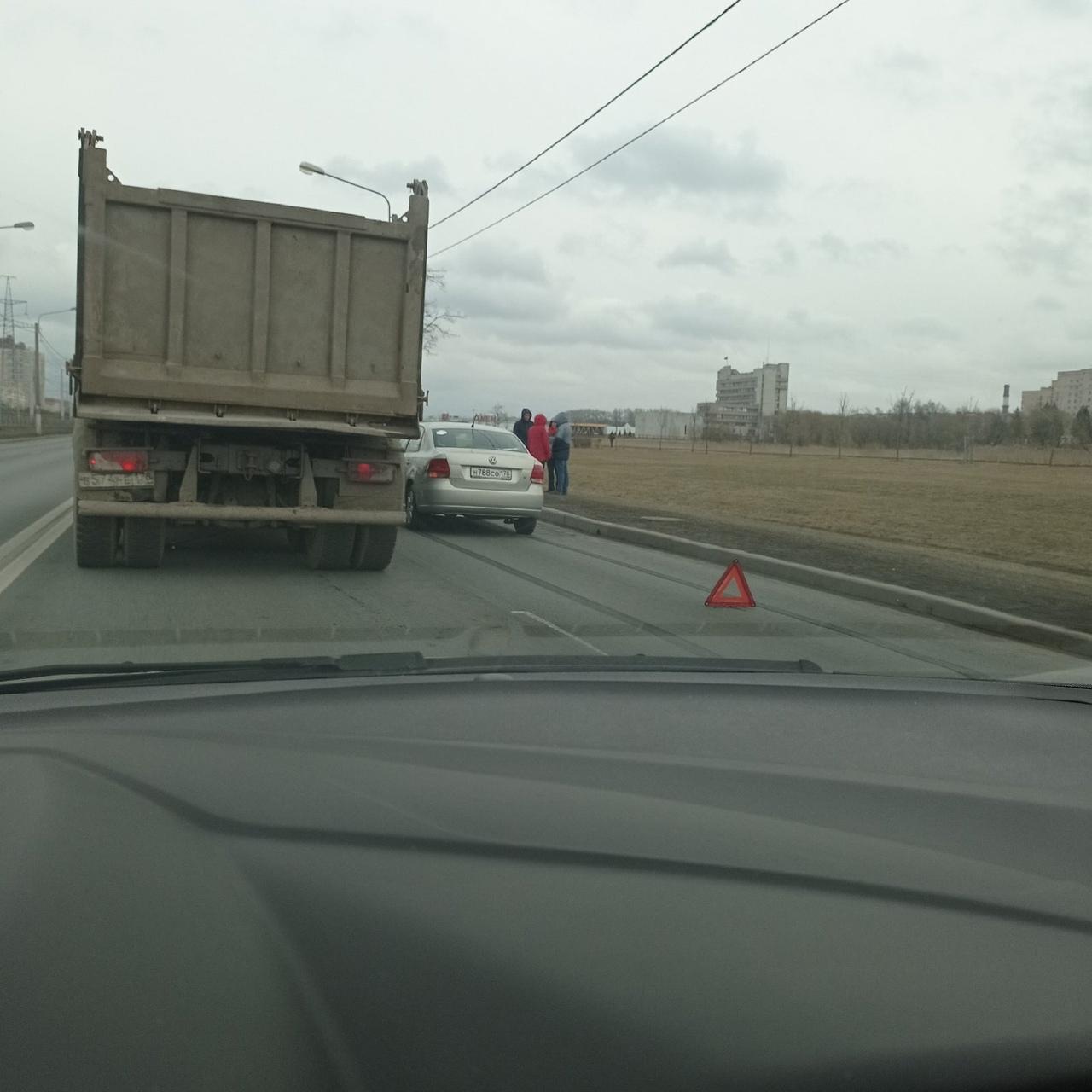 Тройничoк на Петергофском шоссе в сторону ул. Доблести