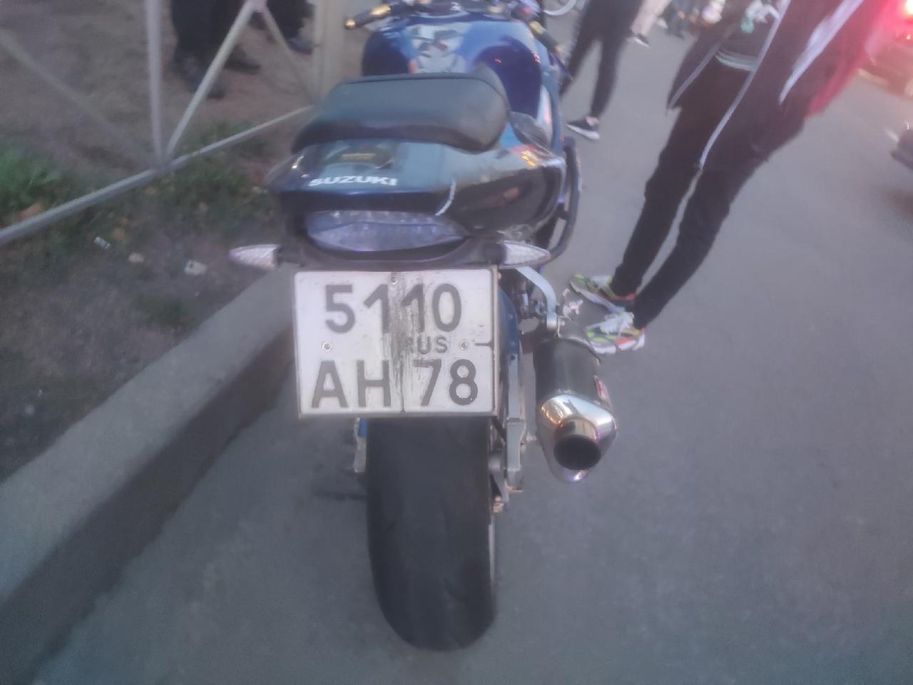 На Науки возле Бутлерова ДТП произошло ДТП между Лансером и мотоциклом Suzuki GSX 1000. Трамваям в с...