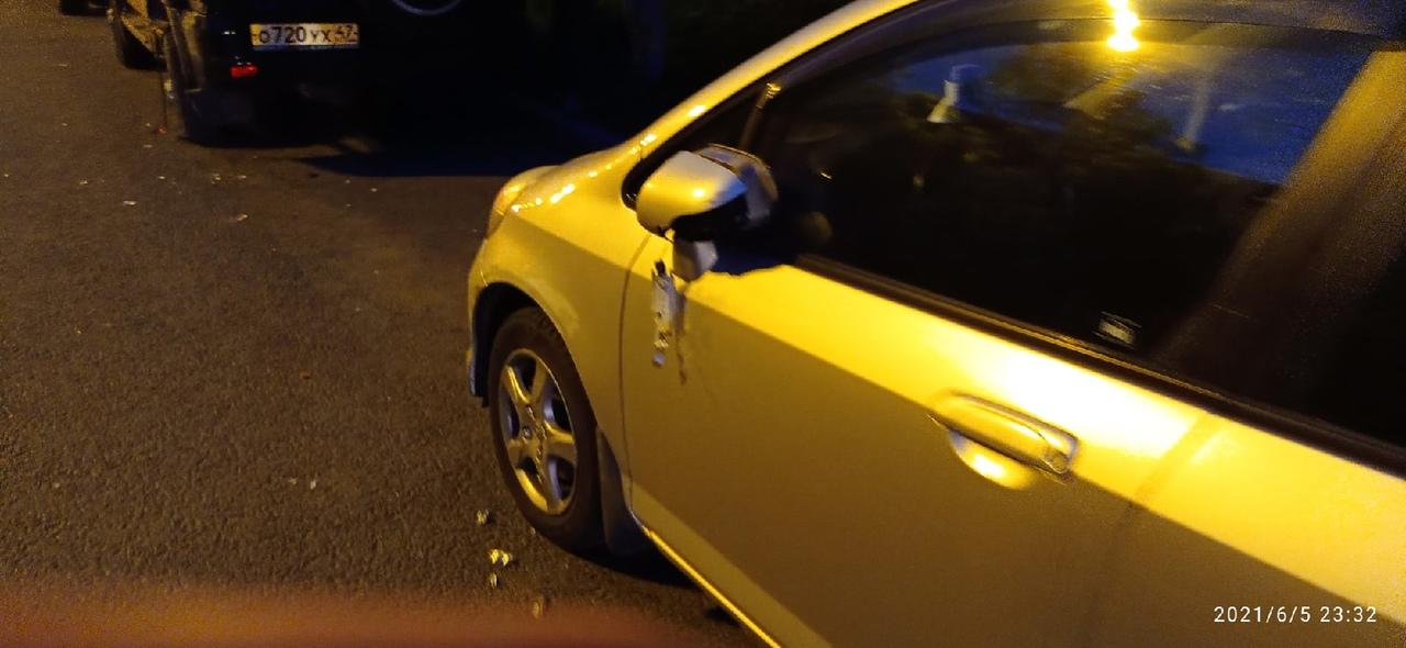 В 23:10 на Подвойского по направлению к пр. Солидарности, водитель Лада Веста не справившись с упра...