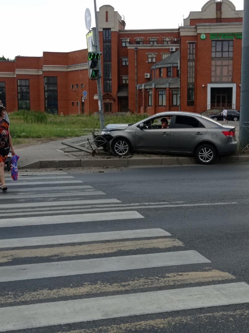 Авария на Фучика и Будапештской