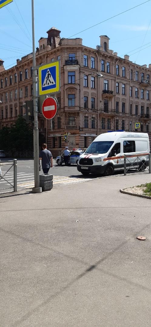 6 июня в 12:24 на телефон мчс поступило сообщение о пожаре по адресу: Большая Пушкарская улица дом 6...