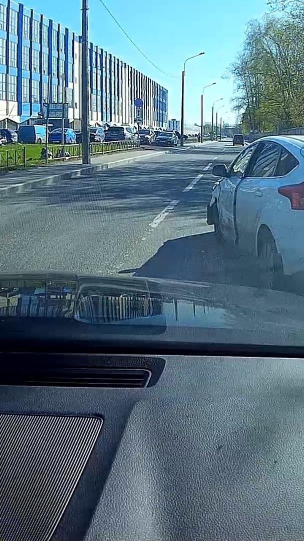 Авария на Магнитогорской, как всегда невнимательность при выезде с второстепенной дороги, один водит...