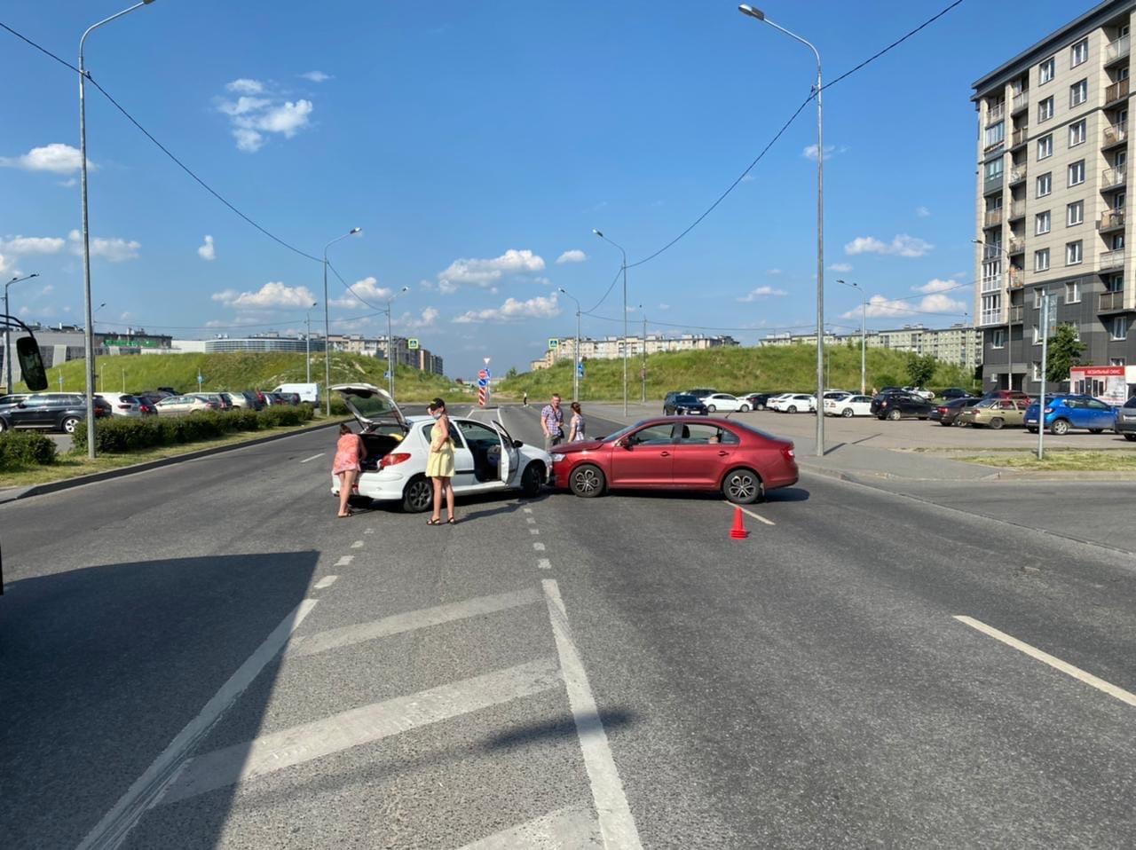 ДТП в Славянке, подскажите кто прав?