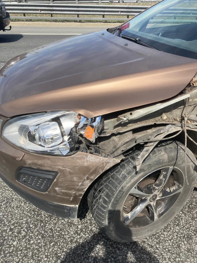 Сегодня в 14-20 - 14-25 перед съездом с ЗСД и после съезда на Дачный проспект произошла авария на ск...