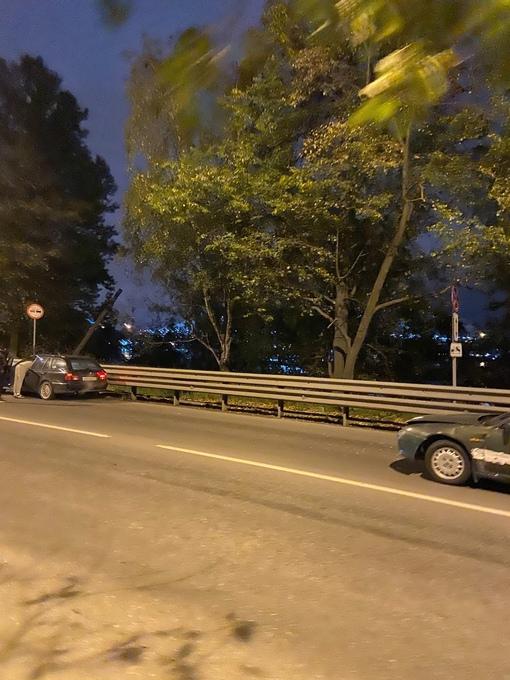 Авария на пустом месте на Рыбацком проспекте