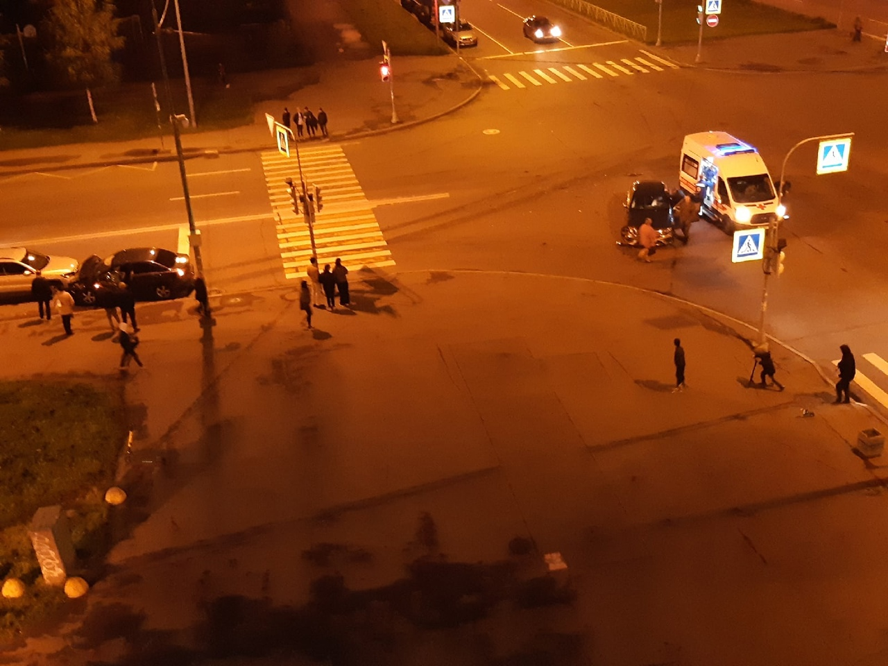 Две легковушки столкнулись на пересечении Кузнецова и Маршала Казакова