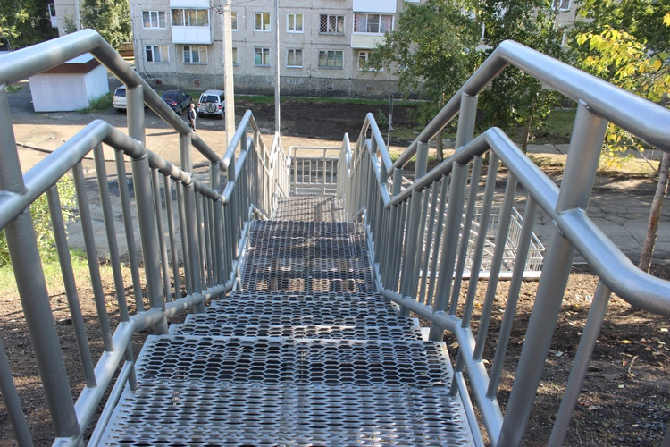 Новая лестница в районе остановки «Витязь»