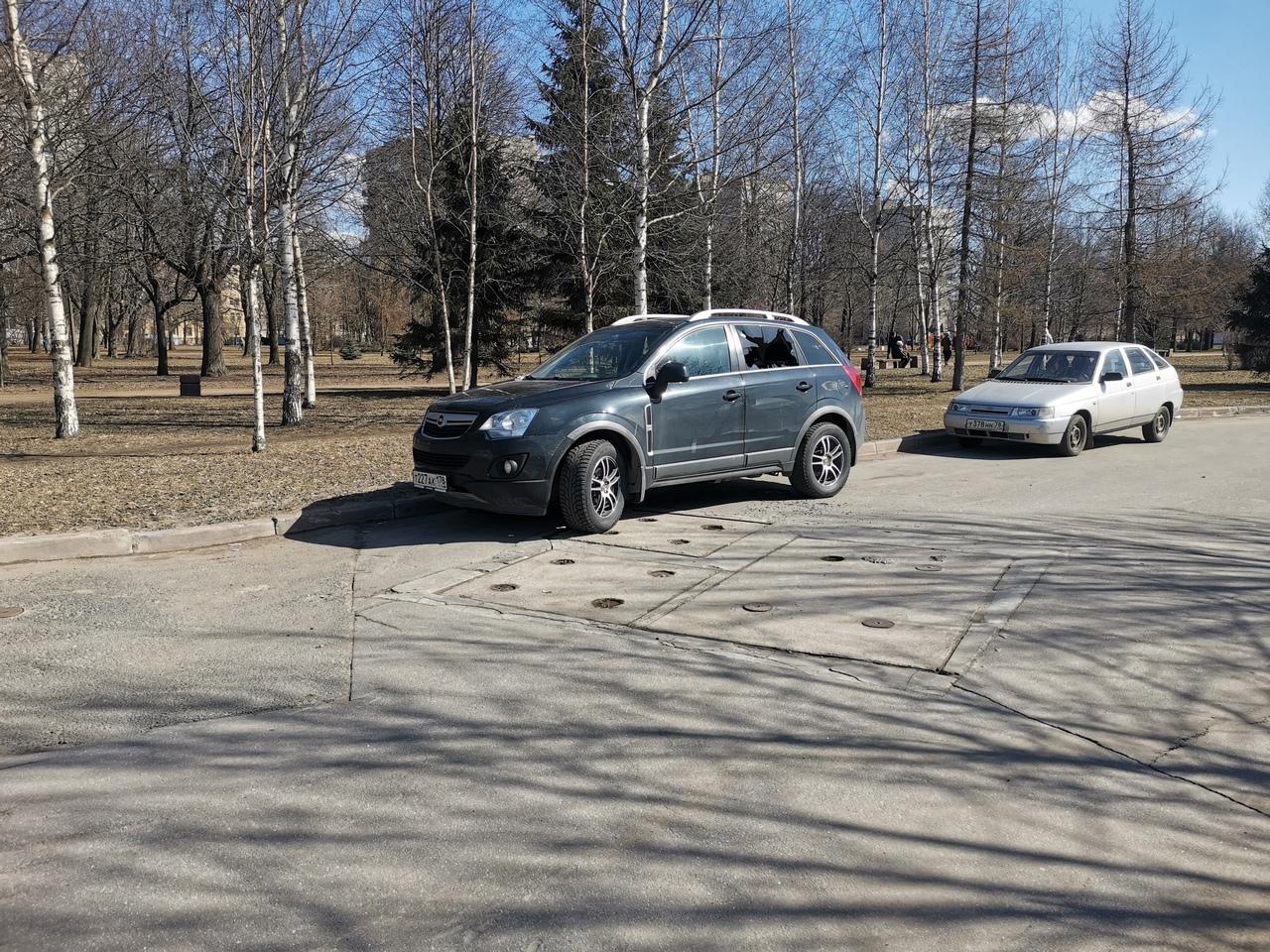 Сегодня стал свидетелем кражи чего то из автомобиля Opel Antara гос.номер т227ак178 в 13:00 11.04.20...