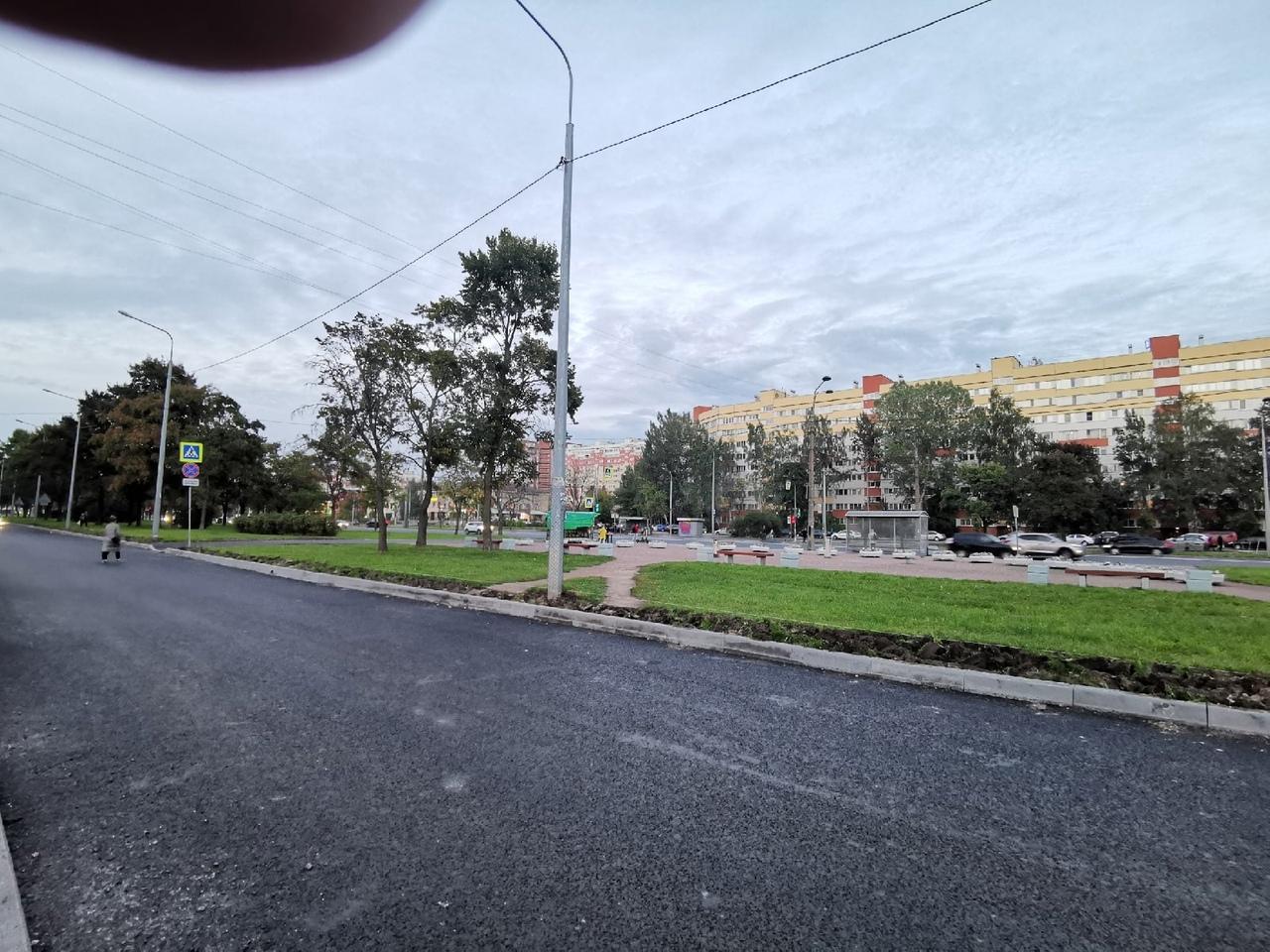 На проспекте Маршала Жукова натянута верёвка вдоль кармана на высоте около 10 см... Когда стемнеет, ...