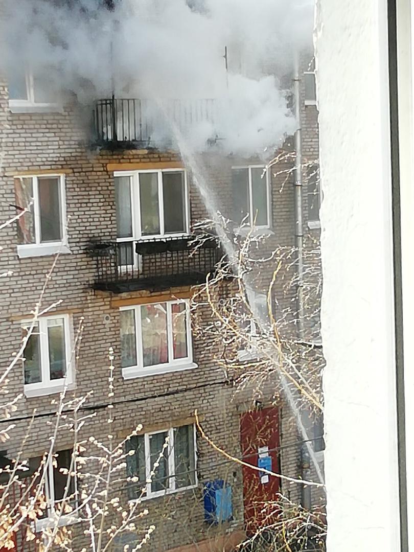 Сгорел балкон в доме 20 корп. 1 по Ланскому шоссе В 3-х комнатной квартире, в комнате площадью 20 к...