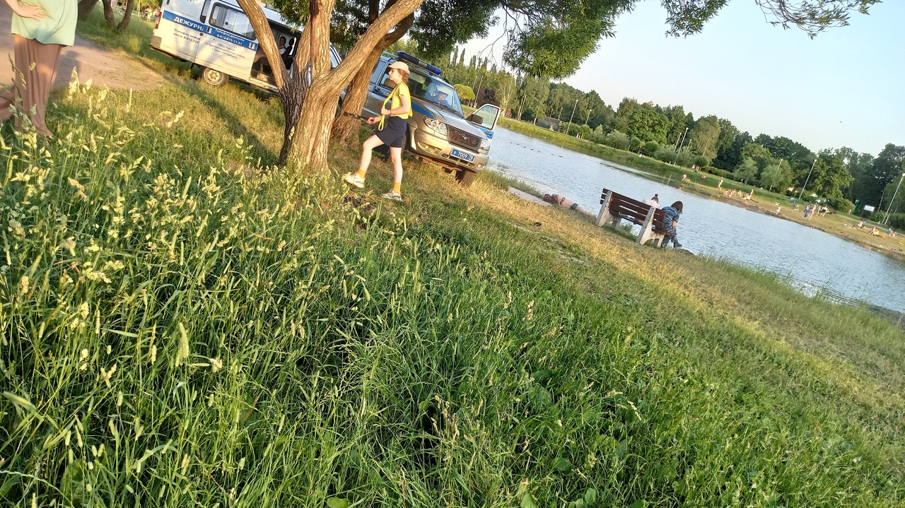 В Полюстровском парке мужчина искупался в последний раз... Тело лежит несколько часов.