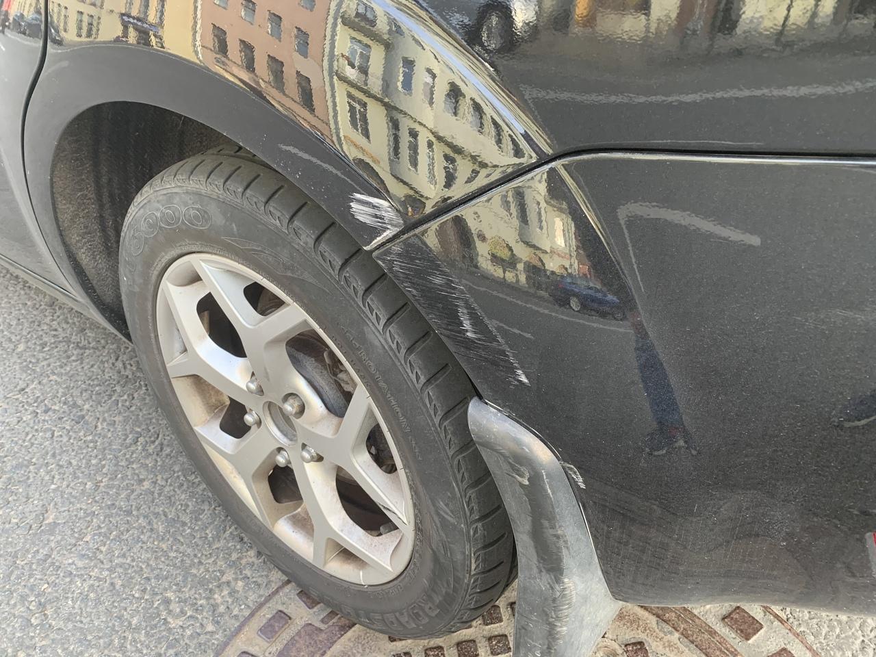 ДТП с припаркованным автомобилем на ул. Пионерская в 15 часов 6 сентября. Виновник скрылся. Есть так...