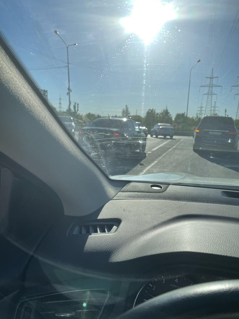Два товарища не поделили пересечение Муринских дорог.