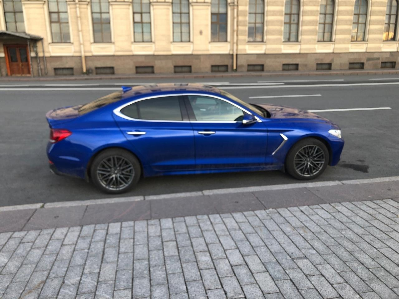 15 июля во второй половине дня угнали машину Hyundai Genesis G70. Машина была припаркована в 300 мет...