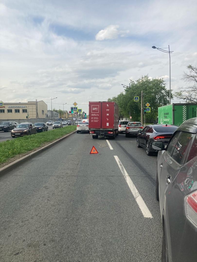 Ищу свидетелей сегодняшнего ДТП (17.05) на Витебском проспекте перед перекрёстком с Бассейной при о...