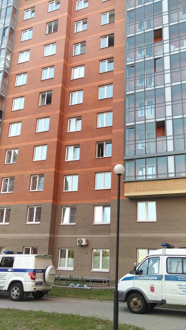 В городе Колпино на улице Севастьянова 28/1 выпал человек. По предварительной информации, мальчик 13...