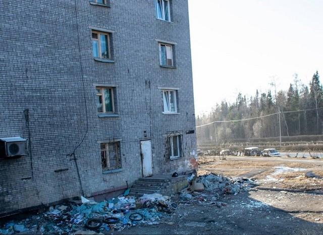 Мусор в 11 микрорайоне Усть-Илимска